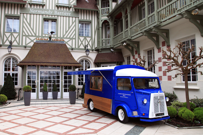 GREYGOOSE-DEAUVILLE-CAMIONNETTE-1