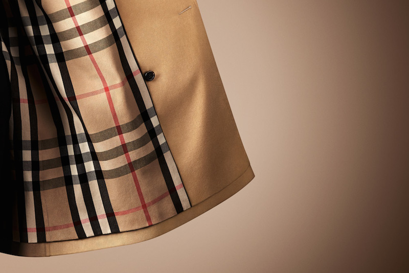 classic-burberry-trench-coat-tartan-lined