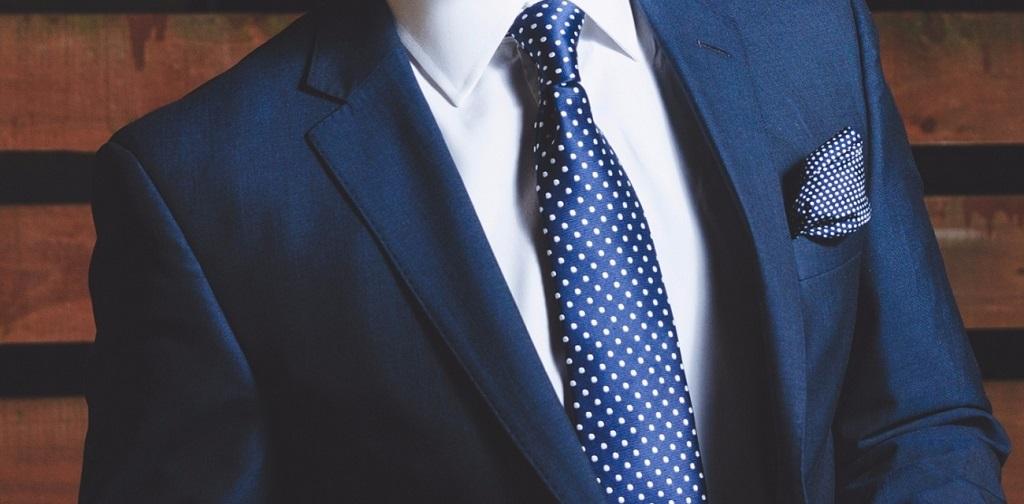 20150406171632-suit-man-jacket-corporate-business-shirt-tie-man