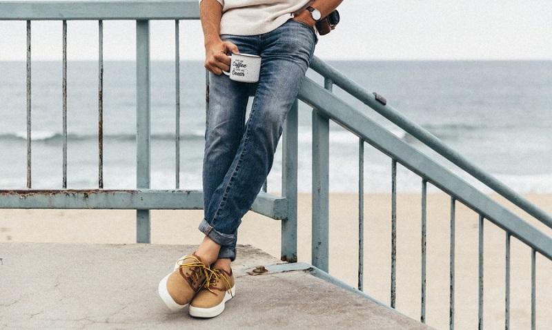5771474884a5c Guide : porter un pantalon retroussé sans chaussettes – Le Blog de ...