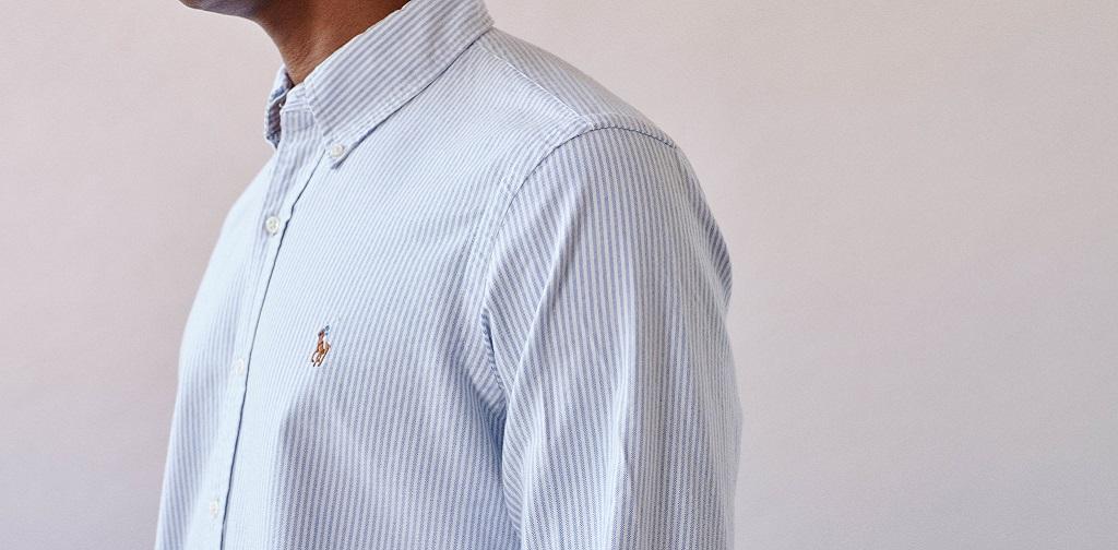 une chemise oxford avec son col à boutons