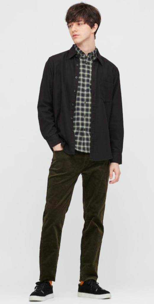 look homme avec chemise en flanelle