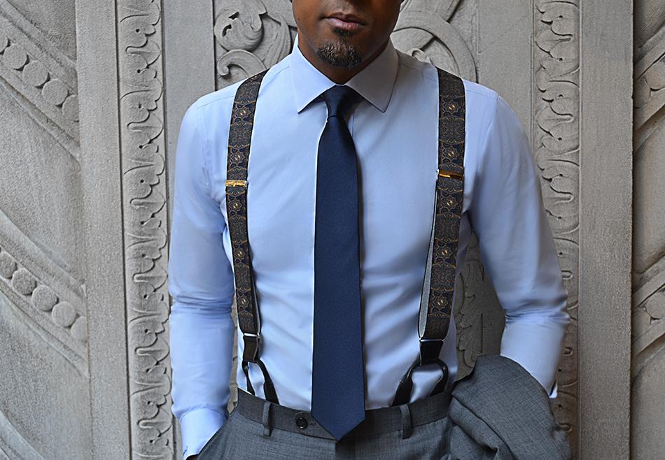 look homme professionnel avec des bretelles