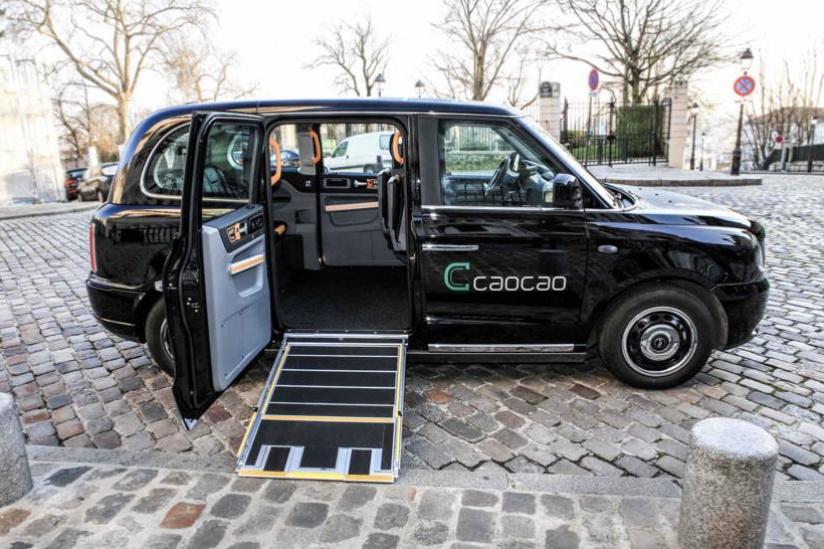VTC Caocao black cab avec rampe d'accès