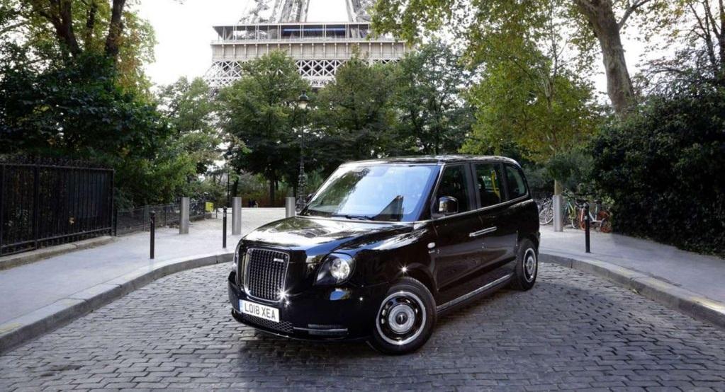 VTC Caocao black cab garé