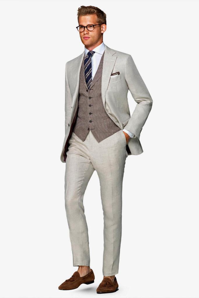 style habillé avec un costume en lin